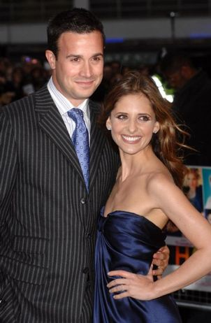 sarah michelle gellar and freddie prinze jr and baby. Freddie Prinze Jr. Sarah