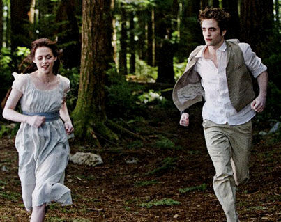 kristen stewart and robert pattinson new moon. Robert Pattinson and Kristen