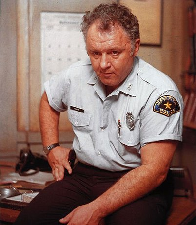 Rod Steiger as Sheriff Gillespie