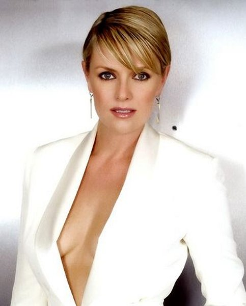 Amanda Tapping - Photo Colection