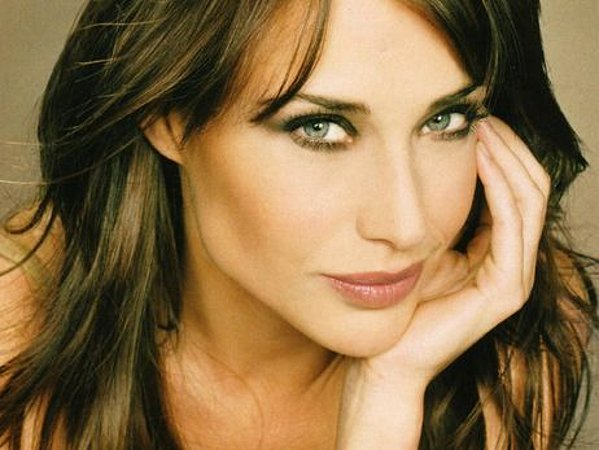 Claire Forlani